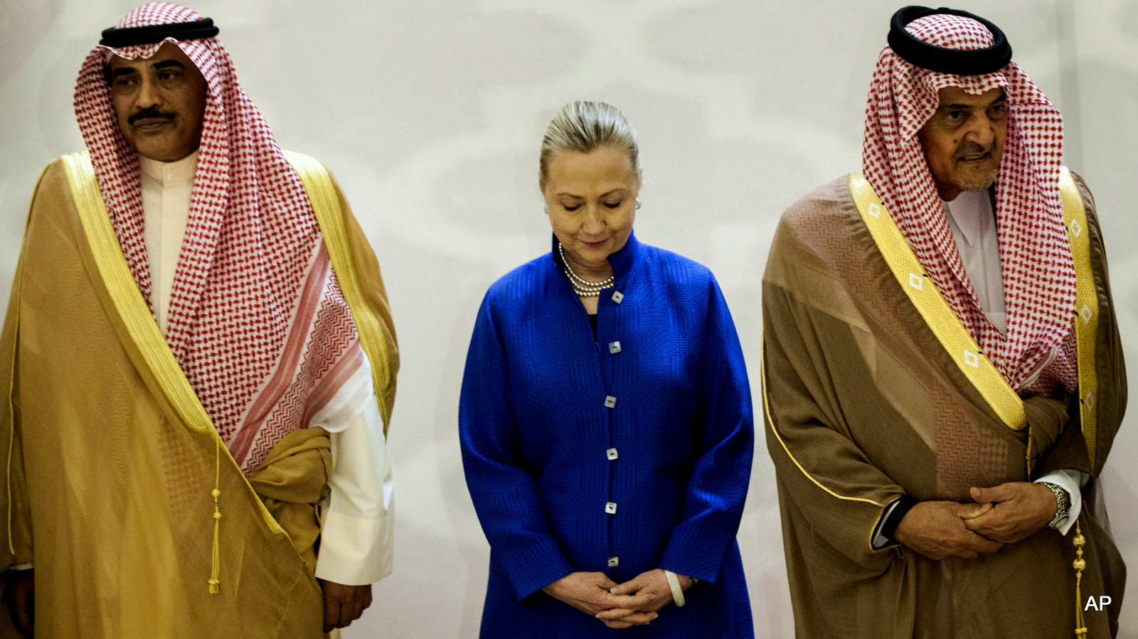 Emailovi Clintone, oil giganti i terorizam protiv šija muslimana